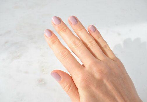 Gellack negle - Sådan laver du dem derhjemme